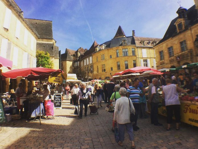 Market day in Terrasson.  (Supplied photo)