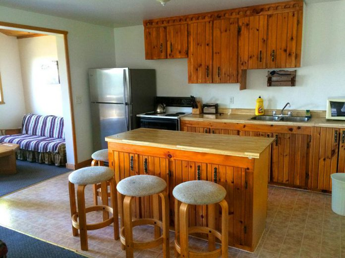 The cottages at Catalina Bay Resort come with fully equipped kitchens (Photo courtesy of Catalina Bay Resort)