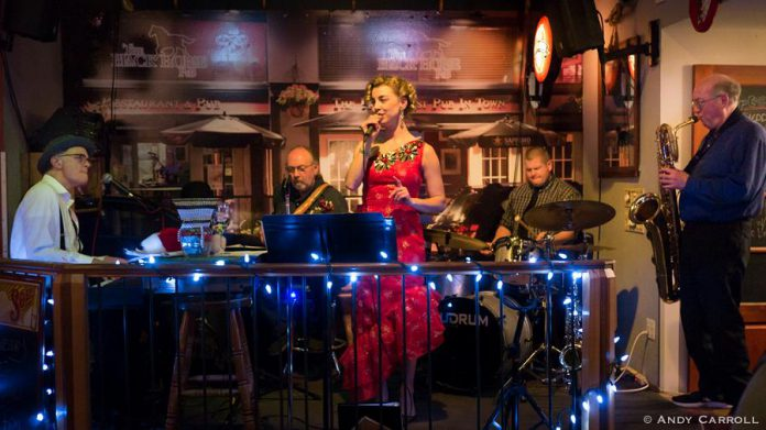 Marsala Lukianchuk and the Rob Phillips Trio, with Al Baggs at right on the sax, at The Black Horse, 2017. (Photo: Andy Carroll)