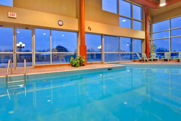 Who needs the ocean when you can swim in the beautiful saltwater pool at Holiday Inn Peterborough-Waterfront? (Photo: Holiday Inn Peterborough-Waterfront)