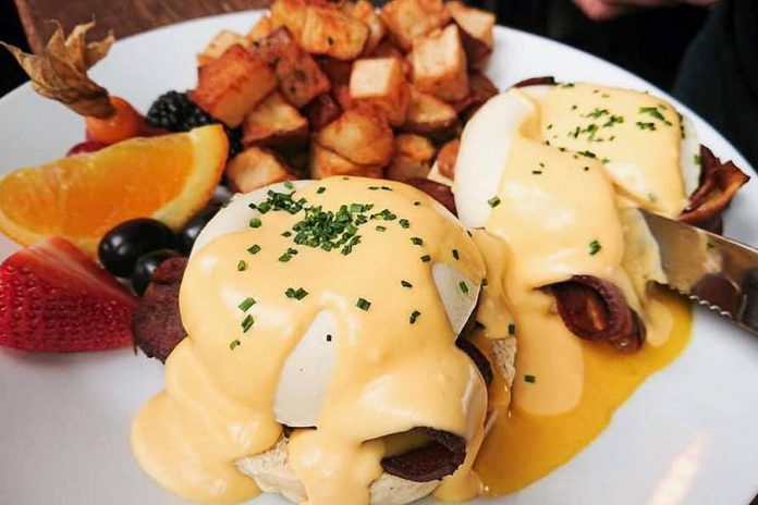 Nateure's Plate's new vegan brunch menu includes eggs benedict, artisanally created using entirely plant-based ingredients. (Photo: Nateure's Plate)