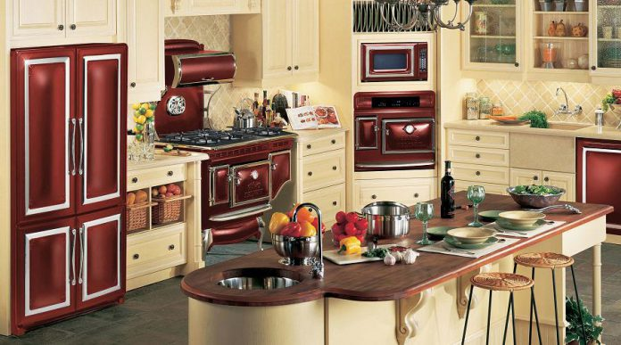 Elmira's Antique line includes a customizable collection of ranges, wall ovens, microwaves, refrigerators and matching dishwashers. With seven unique colours and a vast combination of trims and features, you can create a one-of-a-kind look that suits your decor and individuality. (Photo courtesy of Elmira Stove Works)