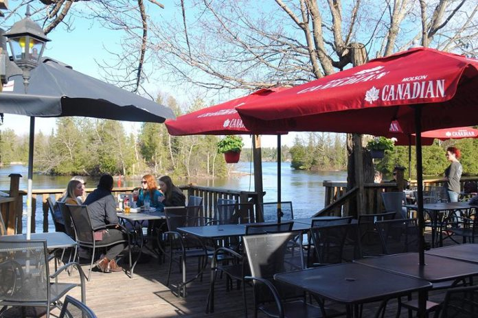 Patio perfect, Lock 27 Tap and Grill has a breathtaking view of Clear Lake. (Photo: Lock 27 Tap and Grill)