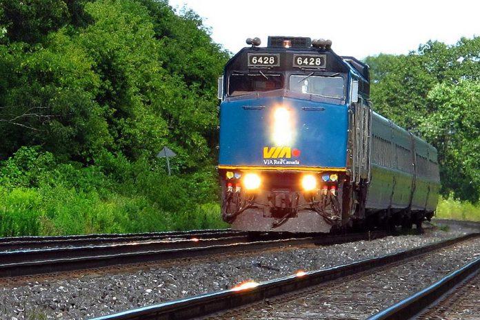 A Via Rail passenger train. (Photo: Magnolia677 / Wikipedia)