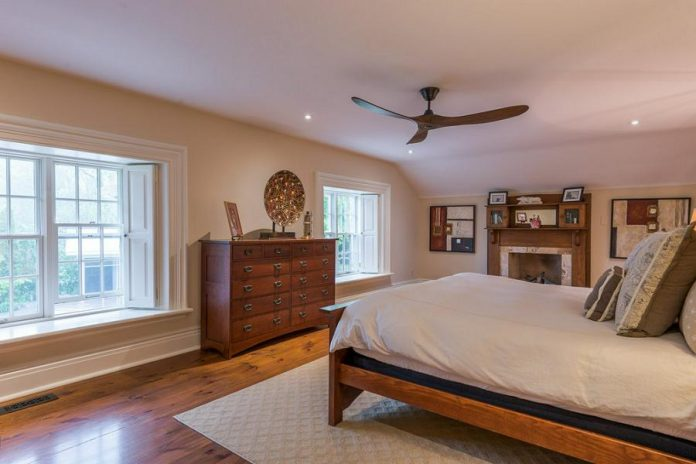 The master bedroom features a private walk-in dressing room, a middle-drawer island, and an ensuite bathroom.