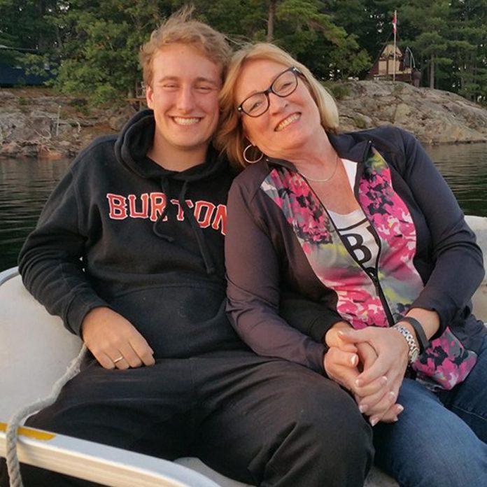 Donna Geary with her son Nate.  (Photo: Donna Geary / Facebook)