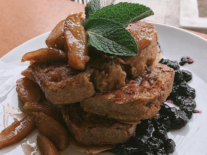 The Revelstoke brunch menu will include banana bread french toast, a popular dish from the Electric City Vegan brunch at Dreams of Beans cafe. (Photo: Revelstoke)