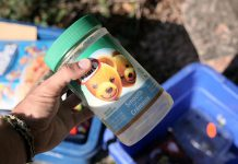 Would you put this dirty peanut butter container in your blue box? If the answer is yes, you're being part of the problem and not the solution. One of the main reasons the blue box program is not as effective as it can be is because of contamination. It takes time and expense to remove unclean items from the recycling stream or, even worse, the presence of these items can contaminate other recyclable materials during processing, making them all un-recyclable. (Photo: GreenUP)
