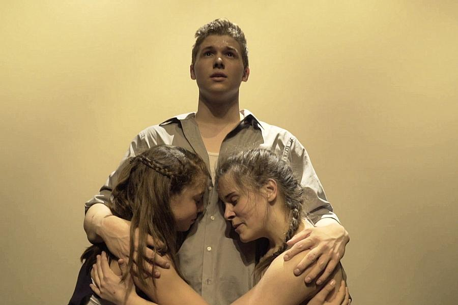 Frank Flynn's 'Surfacing' uses dance to explore themes of mental