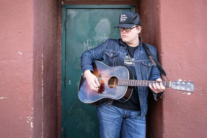 Winnipeg-based country-roots singer-songwriter Sean Burns performs with Ryan 'Skinny' Dyck at The Garnet on Saturday, October 5th, with special guests Diamond Dave & The Smoke Eaters. (Photo: Gabriel Thaine)