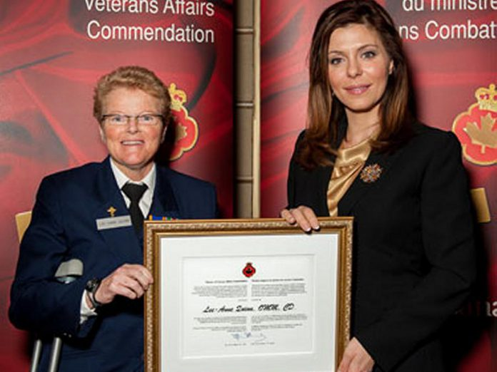 In 2012, Lee-Ann Quinn received a Minister of Veterans Affairs Commendation for her service and leadership to the veteran community. (Photo:  Minister of Veterans Affairs)