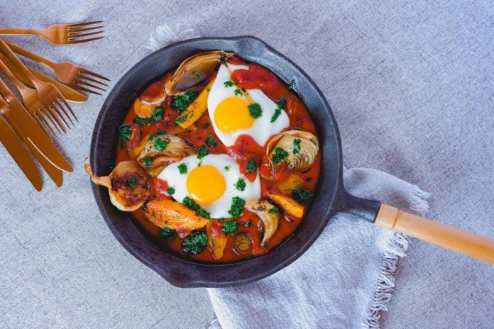 Kitchen Farmacy offers farm-to-table cuisine, like this Meditteranean Shakshuka, at farmers markets and homes throughout the Kawarthas. (Photo: Daria McWilliams)