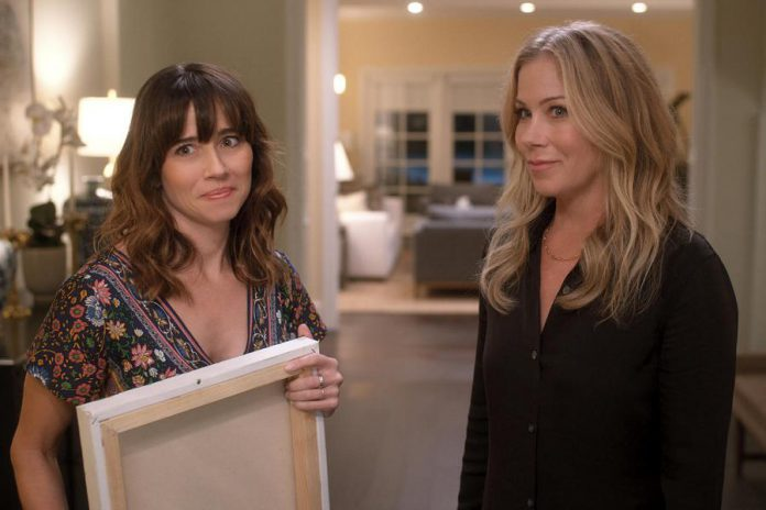 """Linda Cardellini and Cristina Applegate return for the second season of the Netflix original crime comedy series """"Dead to Me"""" on May 8, 2020. (Photo: Netflix)"""