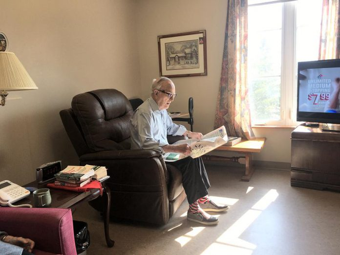 A resident catching up on the news at St. Joseph's at Fleming, a 200-bed long-term care home in Peterborough. As of May 1, 2020, the home has one resident who is positive for COVID-19. (Photo: St. Joseph's at Fleming)