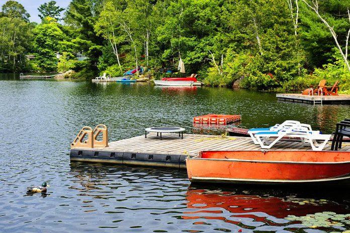 A cottage on a lake