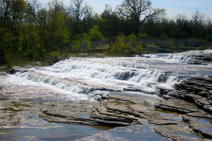Healey Falls north of Campbellford in Trent Hills in Northumberland County. (Photo: Robert Taylor from Stirling, ON, Canada / CC BY (https://creativecommons.org/licenses/by/2.0))