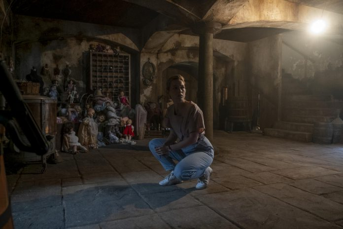 """In the """"The Haunting of Bly Manor"""", Victoria Pedretti plays a young American nanny in the 1980s who is hired by a man to look after his orphaned niece and nephew at the family manor in the English countryside, where things get creepy. The original Netflix series premieres on Friday, October 9th. (Photo: Eike Schroter/ Netflix)"""
