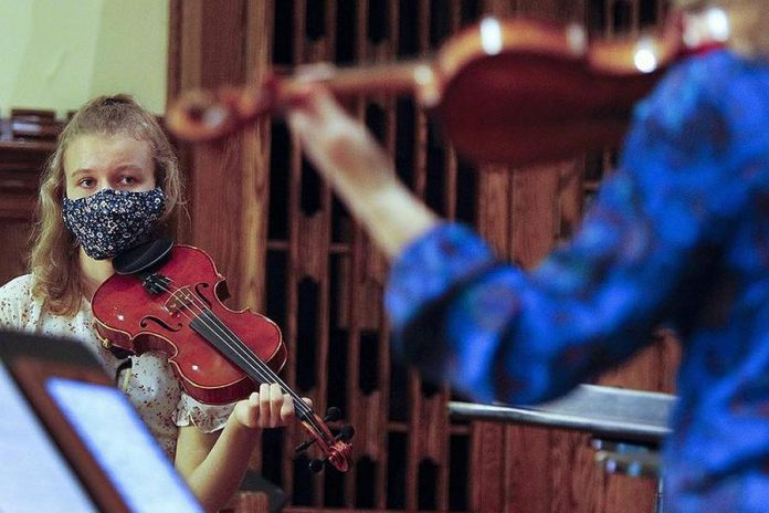 The Kawartha Youth Orchestra adjusted to the pandemic so it can carry on with its work, including this master class with Canadian Opera Company Orchestra concertmaster and violinist Marie Berard at All Saints' Anglican Church in Peterborough in November 2020, which was also streamed live on Facebook. (Photo courtesy of Kawartha Youth Orchestra)