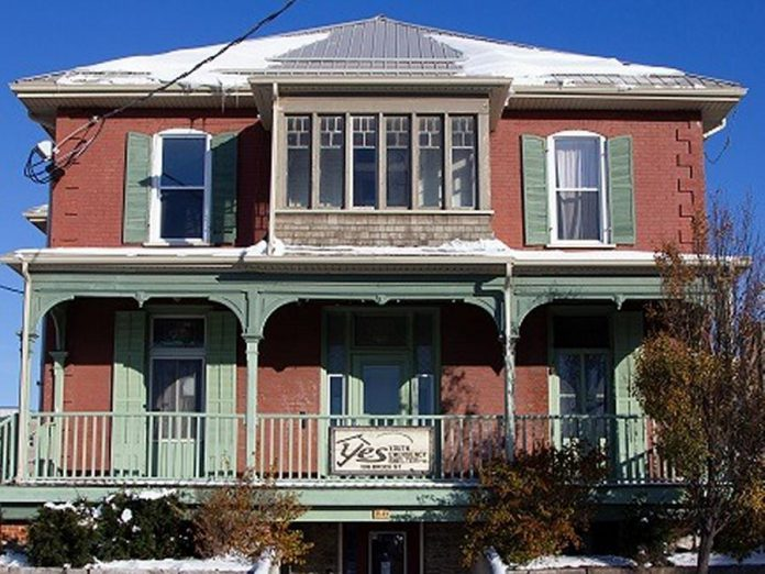 Located on Brock Street in Peterborough, the YES Shelter for Youth and Families helps youth and families experiencing homelessness by providing shelter, education, and transitional supports. (Photo courtesy of YES)