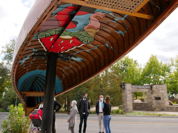 """The Jiimaan'ndewemgadnong """"The Place Where the Heart of the Canoe Beats"""" pocket park at the corner of King Street and Water Street in downtown Peterborough now features a canoe art installation by local Anishinaabe artist Tia Cavanagh. (Photo: Ben Hargreaves / GreenUP)"""