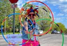 Carolyn Collins spends four hours every week day on the corner of Cherryhill and Brealey in Peterborough spreading smiles as the Walk About Clown. (Photo: Beareh)