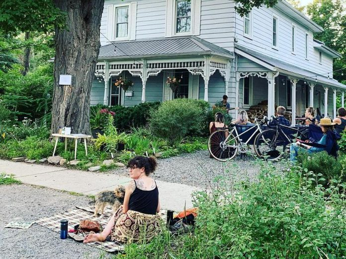 Last summer, 'Waiting for the right porch' was permitted to have 25 physically distanced audience members seated on the property, with others asked to stay by the sidewalk. Although capacity limits have increased in step three of Ontario's reopening plan, hosts Rosemary and Tiphaine will continue to limit audience size.  (Photo courtesy of Tiphaine Lenaik)